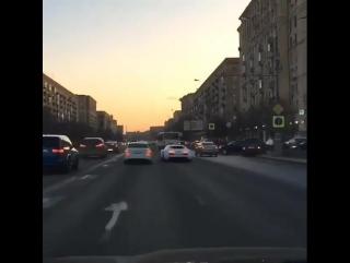 Мажор на Bugatti сыграл в «шашки» на Кутузовском проспекте