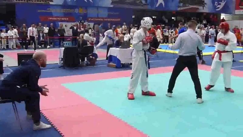 Бой на Первенстве ЦФО по тхэквондо ИТФ с двумя дополнительными раундами и победа 14.01.2018(1).mp4