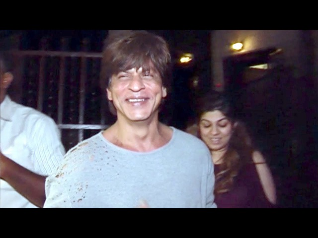 Shahrukh Khan's FUNNY Moments With Reporters Outside Shankar Mahadevan's Studio