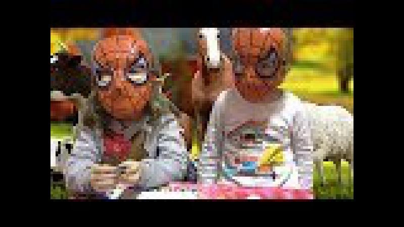 KIZLAR SPİDERMAN OLDU HAYVANLARI ÖĞRENİYORLAR SESLERİYLE (Eğlenceli Çocuk Videosu)