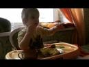 Моя куколка учится самостоятельно кушать ❤️🤗🤟🏻😘