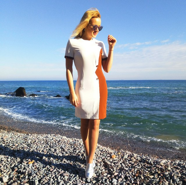 Симпатичное платье Sisjuly