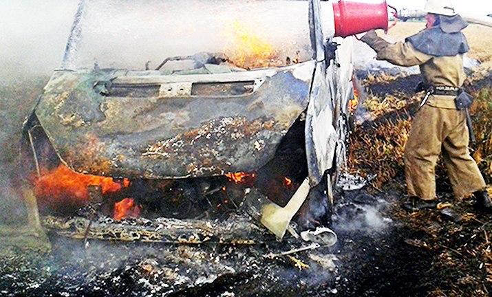 В Таганроге сгорел микроавтобус Volkswagen Crafter