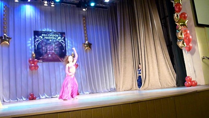 Танцевальный клуб Амира BELLYWOOD2017 Чапанова Кира Эстрадная песня