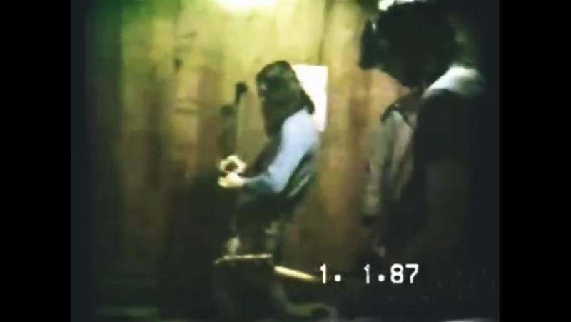 NIRVANA: 1988-XX-XX - Rehearsal In Krists Mothers House, Aberdeen, WA, USA, 03 - Spank Thru / Hairspray Queen