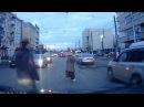Водитель ПОРШЕ перевел бабушку через дорогу (Тула-1.11.2013.)