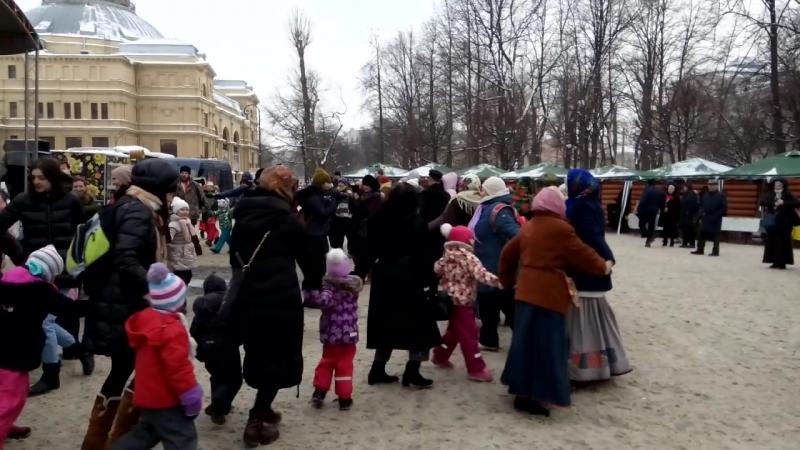Санкт-Петербург гуляет широкую Масленицу!