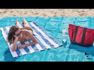 Sand Free Beach Mat - UnderwaterAddicts.com