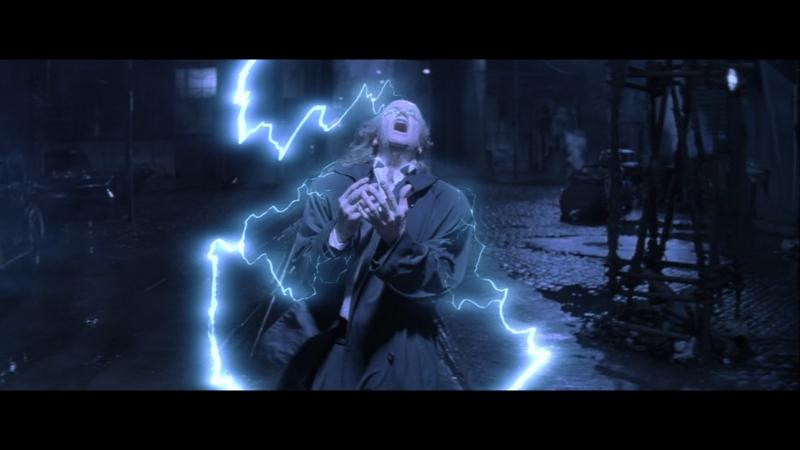 Постаревший Маклауд возвращает к себе молодость с помощью двух бессмертных в фильме горец 2 года 1990
