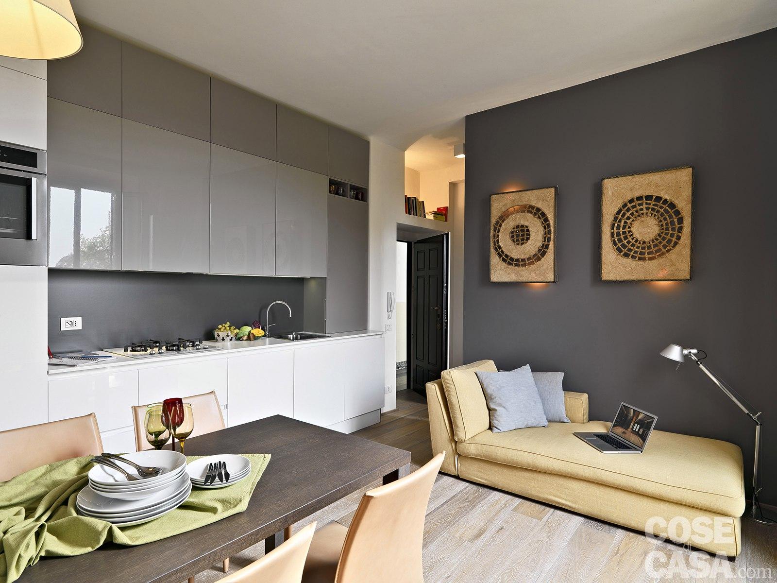 Интерьер квартиры 35 м с раздвижными перегородками в Милане.
