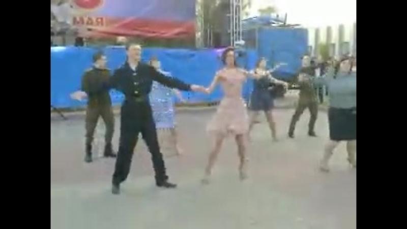 Майский вальс. Театральная площадь. (9.05.2014)