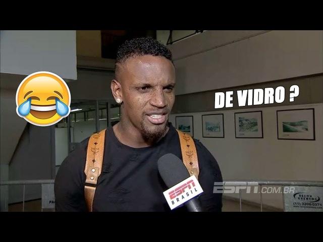 Zagueiro Cléber se atrapalha com pergunta sobre árbitro de vídeo: Não estou sabendo. De vidro?