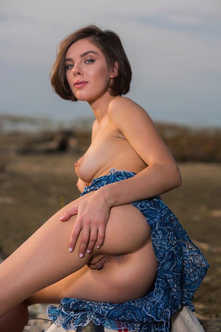 Teens posing nude video