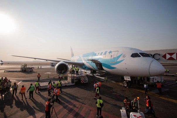 Авиакомпания 'Сянпэн' откроет рейсы между Куньмином и Санкт-Петербурго