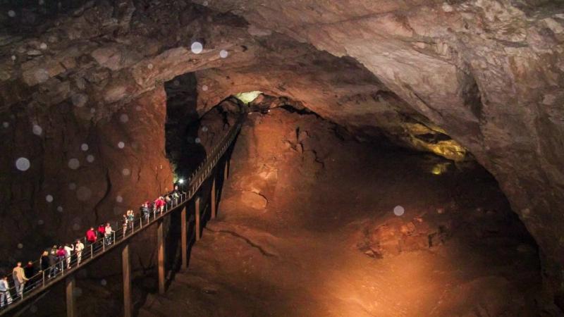Новоафонская пещера достопримечательности Абхазии Экскурсии в Новоафонскую пещеру