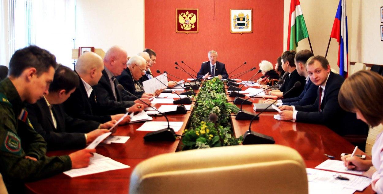 Заместитель председателя молодежного парламента Сергей Тропин принял участие в разработке законопроекта о внесении изменений в региональный закон в сфере поисковой работы