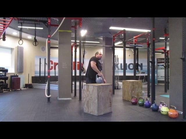 Вырывание гирь 32кг и 38кг с 75см-вой тумбы. 32kg and 38kg kettlebells snatch off 75cm box.