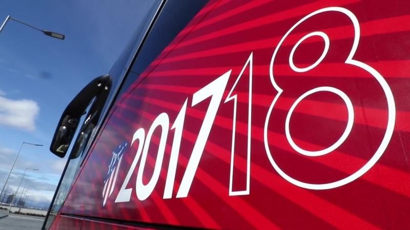 ¡Así es nuestro autobús oficial de Monbus que nos llevará hasta el Camp Nou para jugar un partidazo!