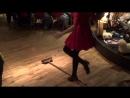 Традиционный ирландский танец шан нос со шваброй