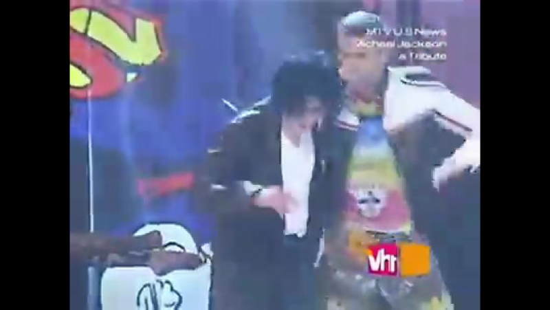 Today back in 2001, Michael made a surprise appearance on the MTV Video Music Awards with *NSYNC! t.me/joinchat/AAAAADv