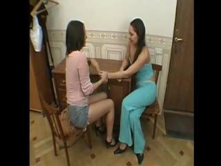 Две сестры лесбиянки