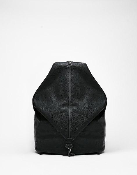 Рюкзак с молнией в центре