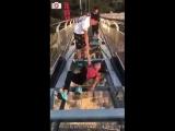 Реакция людей на стеклянный мост и платформу в Китае