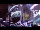 THE DRAMAQUEEN —Hit the road (Ray Charles cover) and This love (Maroon 5 cover)