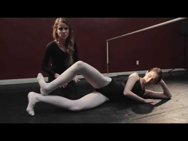 Basic Ballet w Laura - Lesson 4 Turn out