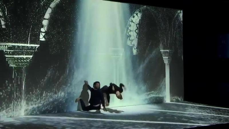 Невероятный танец на грани реальности
