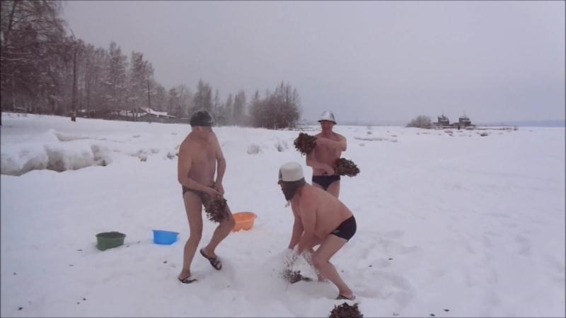 Костюмированные заплывы Баня Юрий Игорь Валерий  » онлайн видео ролик на XXL Порно онлайн