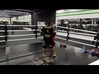 💥Pad work with @karimgaforov 👊 #kickboxingfitness#padwork#hard#trainingday#kingfitness#muaythaifighter#kharkivlive#maratcoach#pe