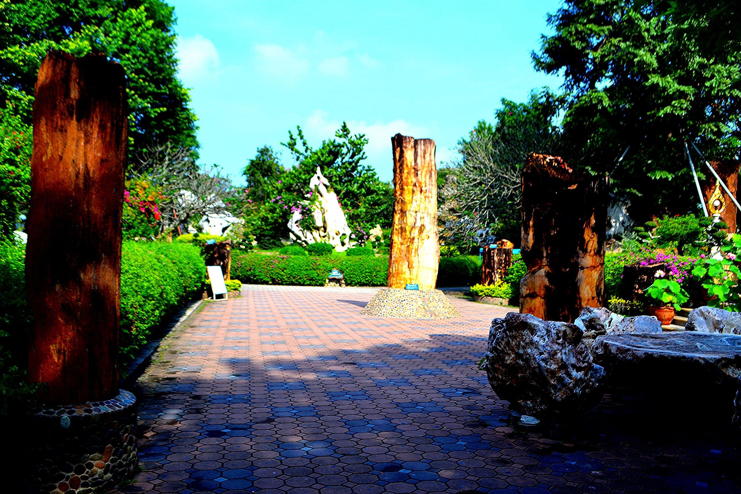 Елена Руденко ( Валтея ). Таиланд. Парк миллионолетних камней и крокодиловая ферма. V-gs_0Fmkts