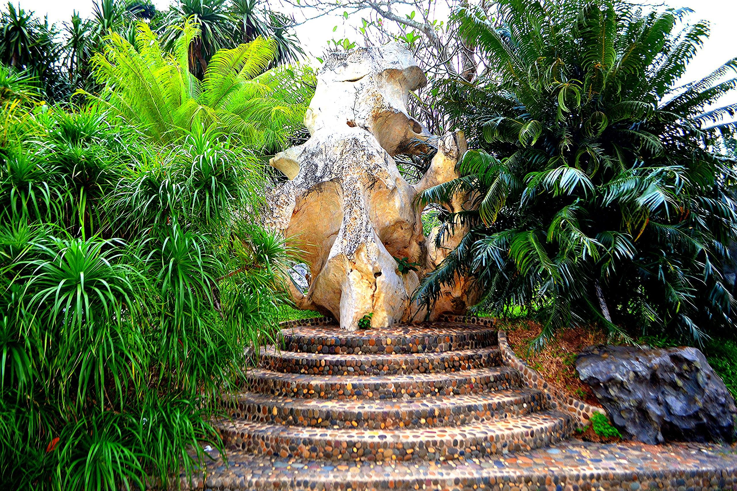 Елена Руденко ( Валтея ). Таиланд. Парк миллионолетних камней и крокодиловая ферма. FEYMWNPjq8s