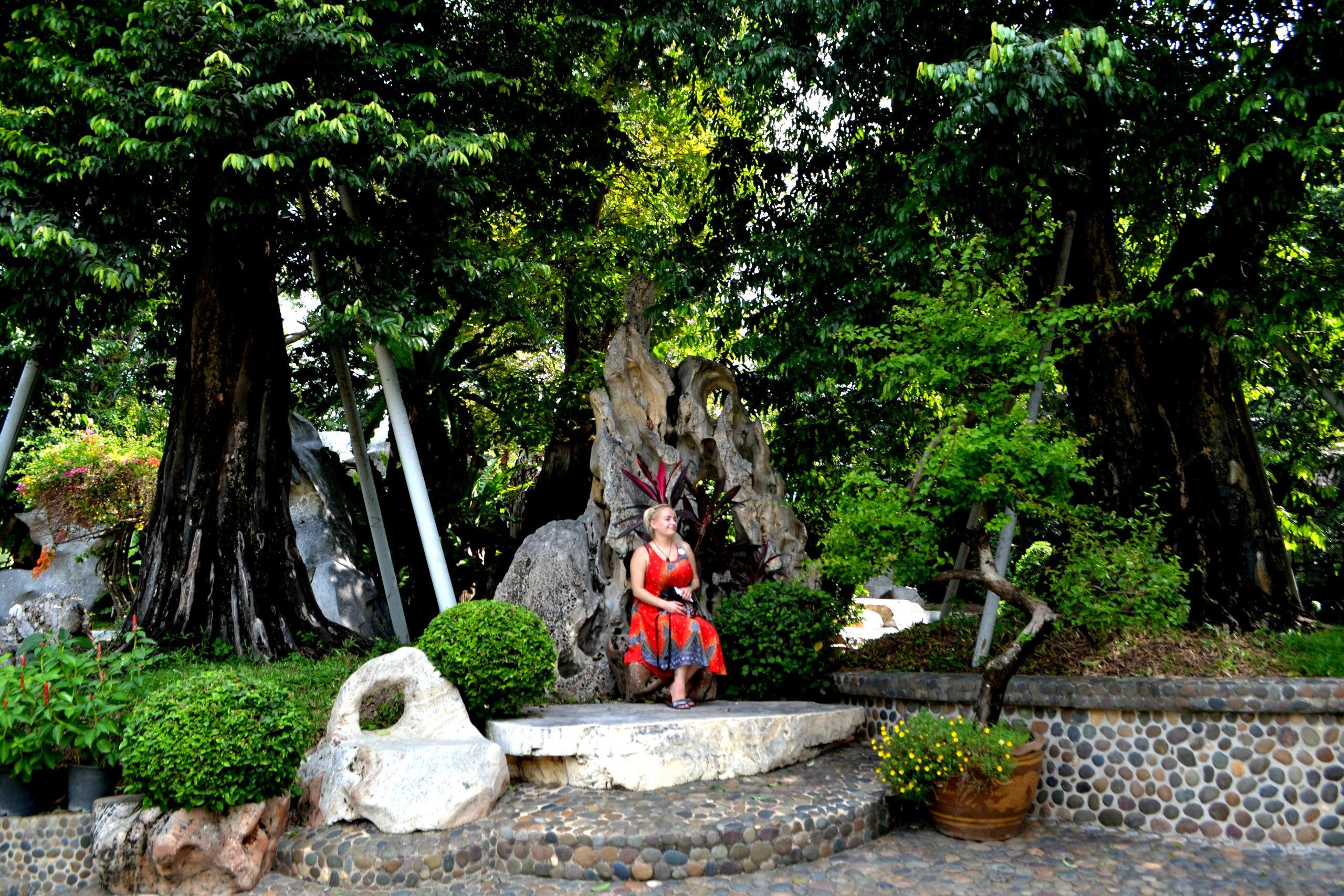 Елена Руденко ( Валтея ). Таиланд. Парк миллионолетних камней и крокодиловая ферма. - Страница 3 Xv1vNM5qoMQ