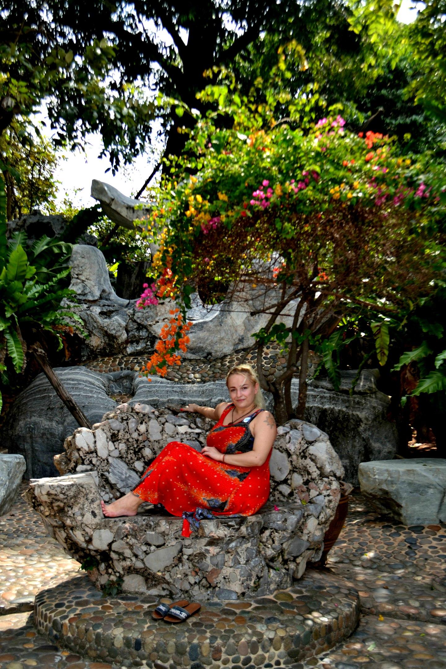 Елена Руденко ( Валтея ). Таиланд. Парк миллионолетних камней и крокодиловая ферма. - Страница 3 KcQhNlkNv7c