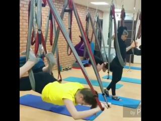 В среду вечером особенно хочется расслабиться 😊 и тренировки наших💪 инструкторов Виолетты Меркуловой и Юлии Долгошеевой👍 отличны