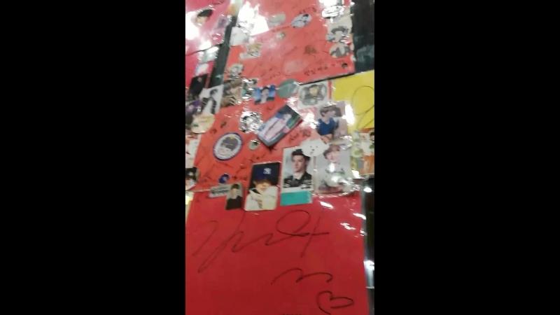 180209 Cofoica на Апкучжон. Рассказ про мемориал Чжонхёна в SMTown