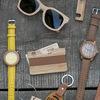 Деревянные очки, часы, блокноты