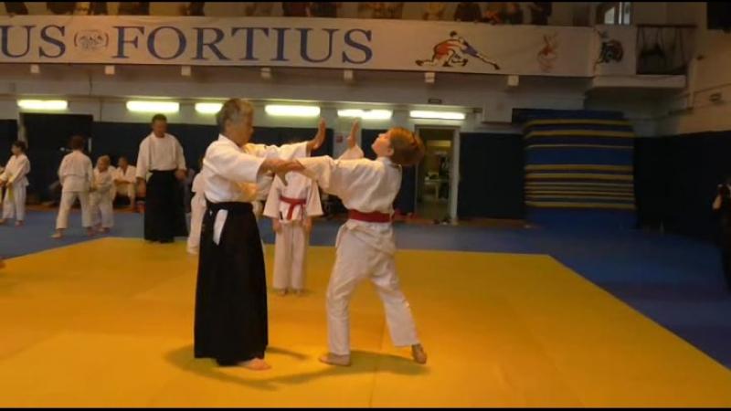 Детская тренировка в рамках Айкидо-семинара Муцуко Минегиши Сенсея (7-й Дан) в Санкт-Петербурге 8 октября 2017 г.