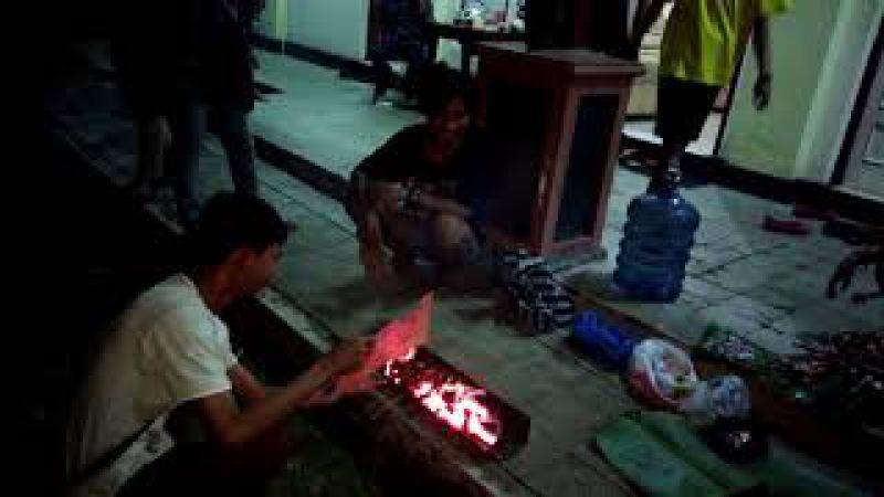 4 TEATER STKW di TAMAN WILWATIKTA PANDAAN bakar sate
