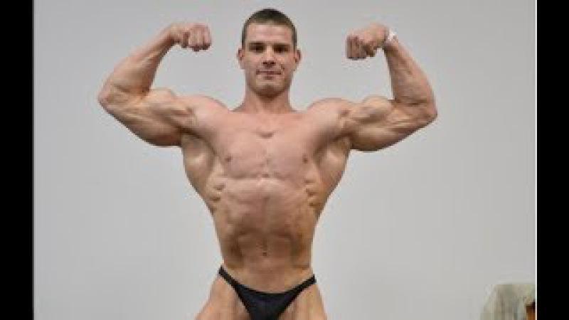 Cute Handsome Muscular Young Bodybuilder Роман Халиулин Posing Practice | Stage Posing flexing