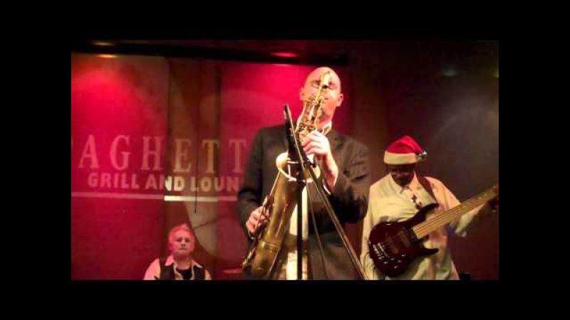 Steve Oliver and Jason Webber Jam on Show You Love Live At Spaghettinis