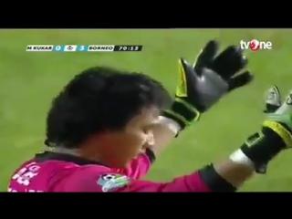 Быстрый футболист из чемпионата Индонезии