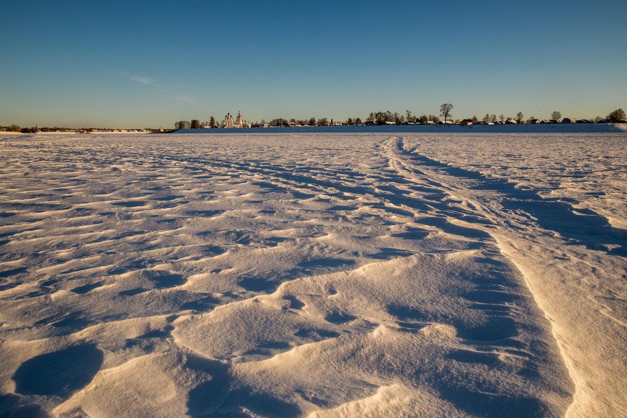 На дворе уже давно наступила календарная весна и на снегу стала появляться  фактура. Днем на солнце начинает подтаивать снег, а ночами температура  опускается ... ab6f71d27e8