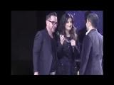 Лаура Паузини спела песню для однополой пары