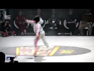Девочка 6 лет танцует BreakDance