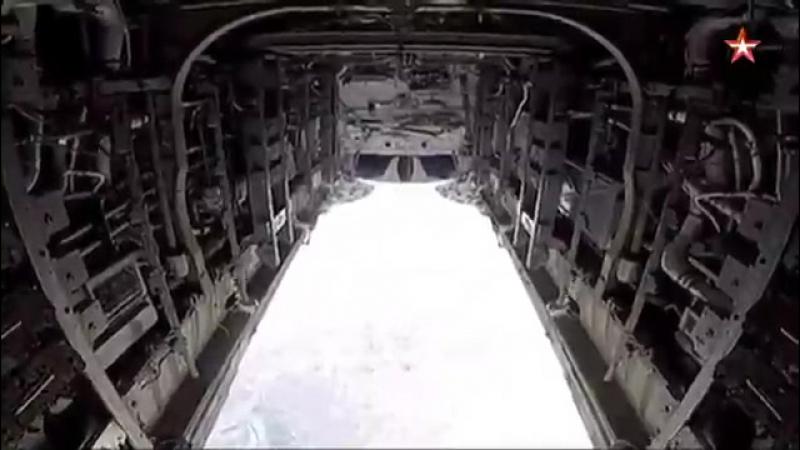 Шесть бомб ФАБ-500 падают на позиции ИГИЛ*: кадры из бомболюка