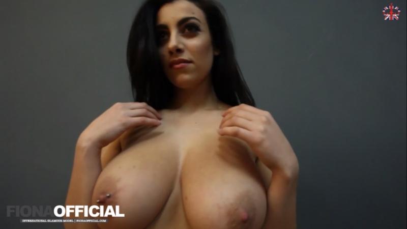 Busty model Fiona Siciliano