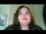 Девочка пытается спеть Уитни Хьюстон